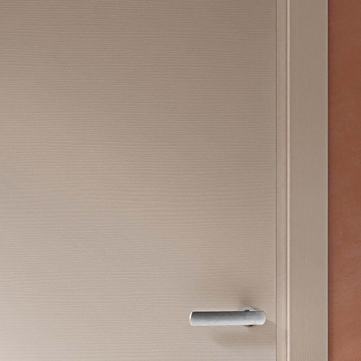 Iride - dettaglio porta legno laccato calce
