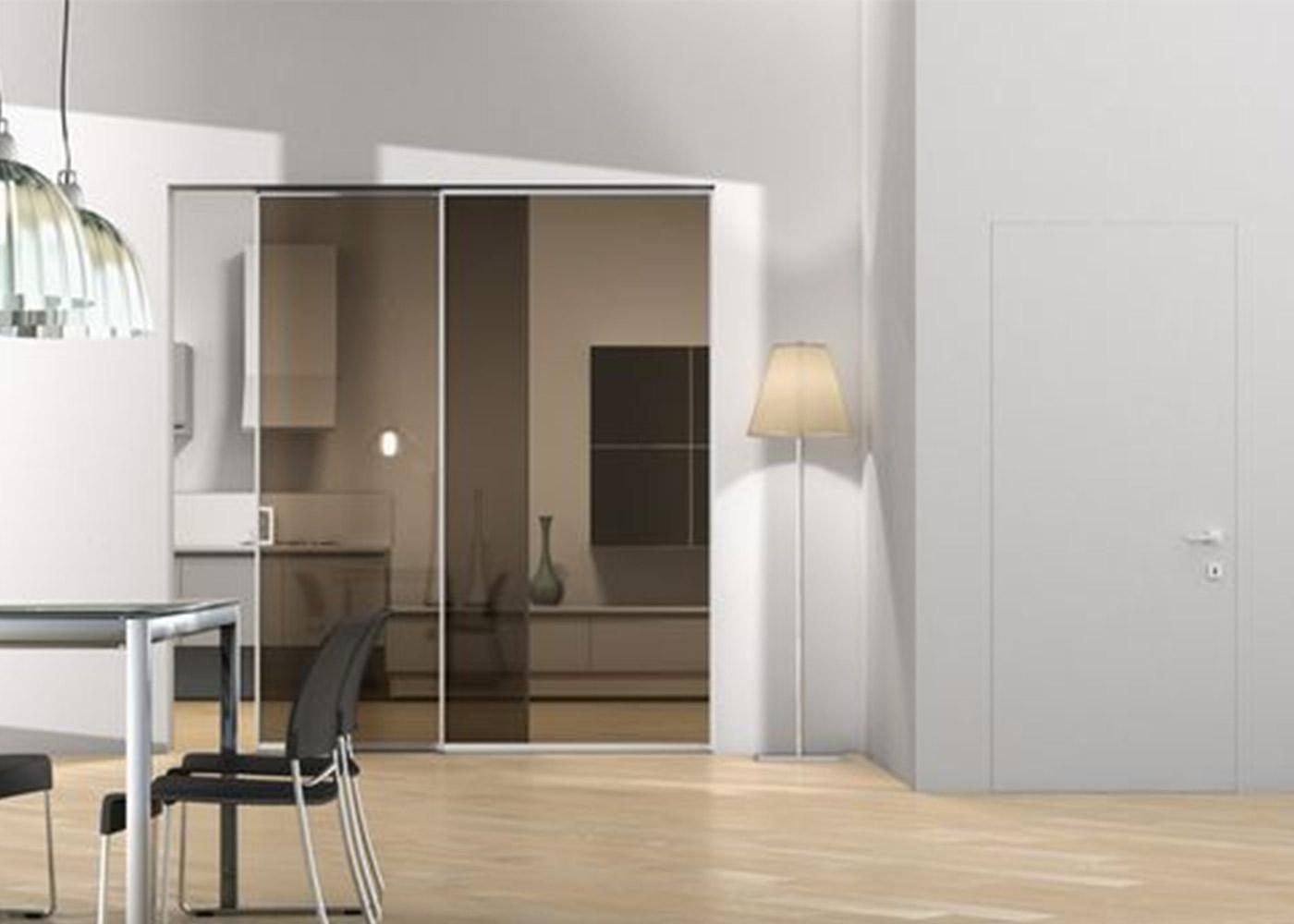 Perché scegliere una porta con vetro?