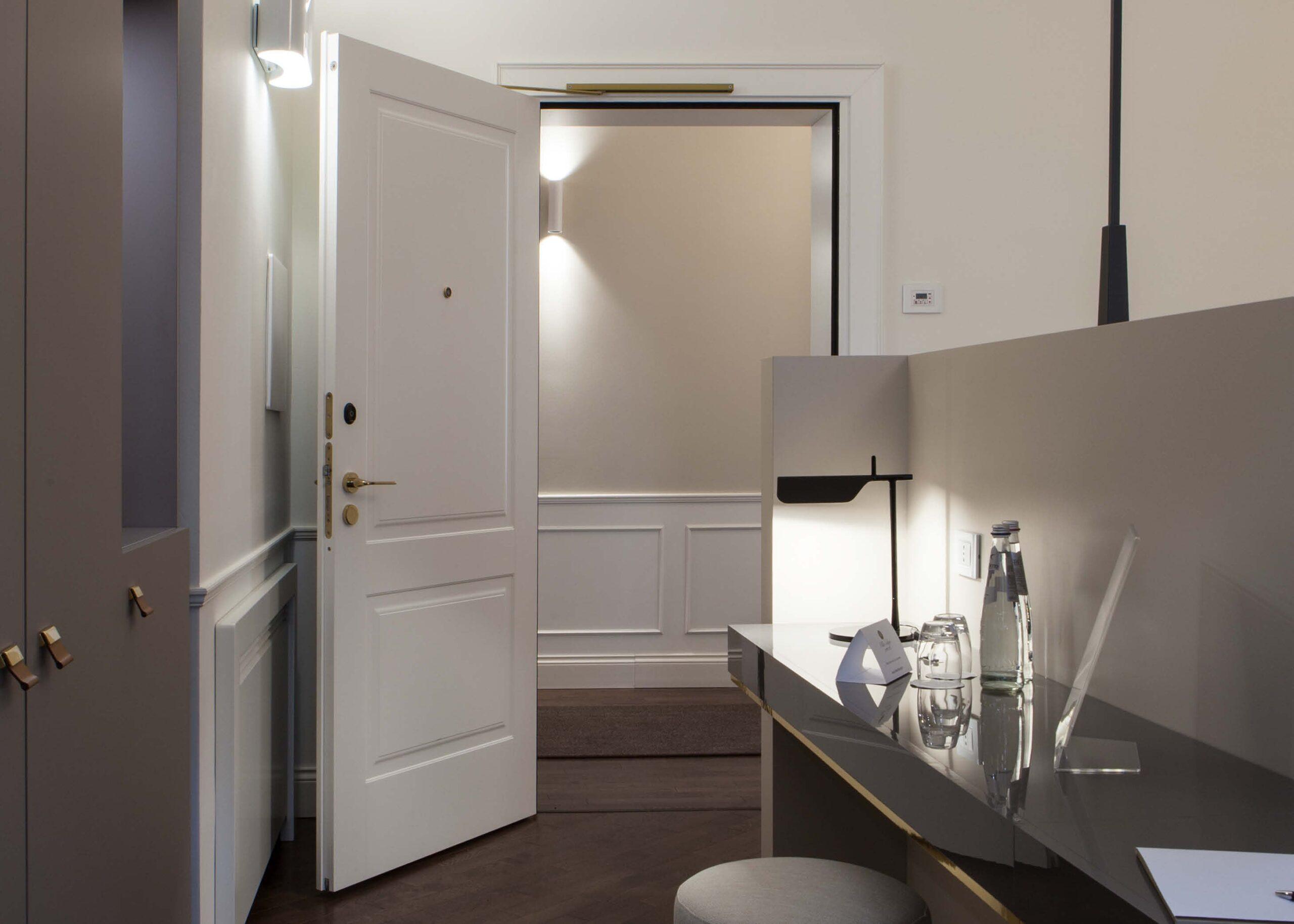 https://www.gd-dorigo.com/wp-content/uploads/2020/10/Porte-Hotel-Villa-Soligo-GD-Dorigo-4-1280x914.jpg